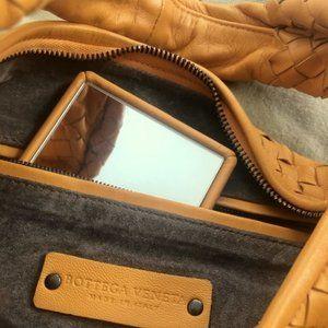 Authentic Bottega Veneta Medium Veneta Bag in Intr